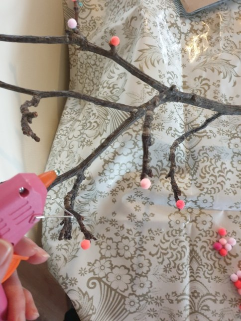 { DIY } | Een bloesem Paastak met gerecyclede materialen
