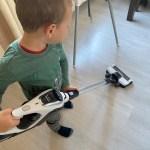 Kinderen (4-6 jaar) en helpen in het huishouden
