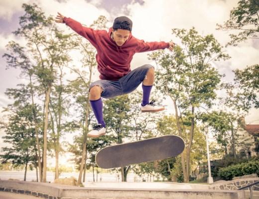 Je bent nooit te oud om nieuwe dingen te leren, ook als het om skateboarden. Lees deze 3 tips als je wil leren skaten als kind of volwassene.