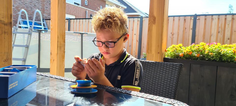 De slimste mens ter wereld, wie ken het tv programma niet? Hierbij een review van het bordspel de slimste mens ter wereld junior.