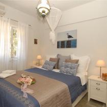 apart 3 dimitris Master Bedroom 1 (Small)