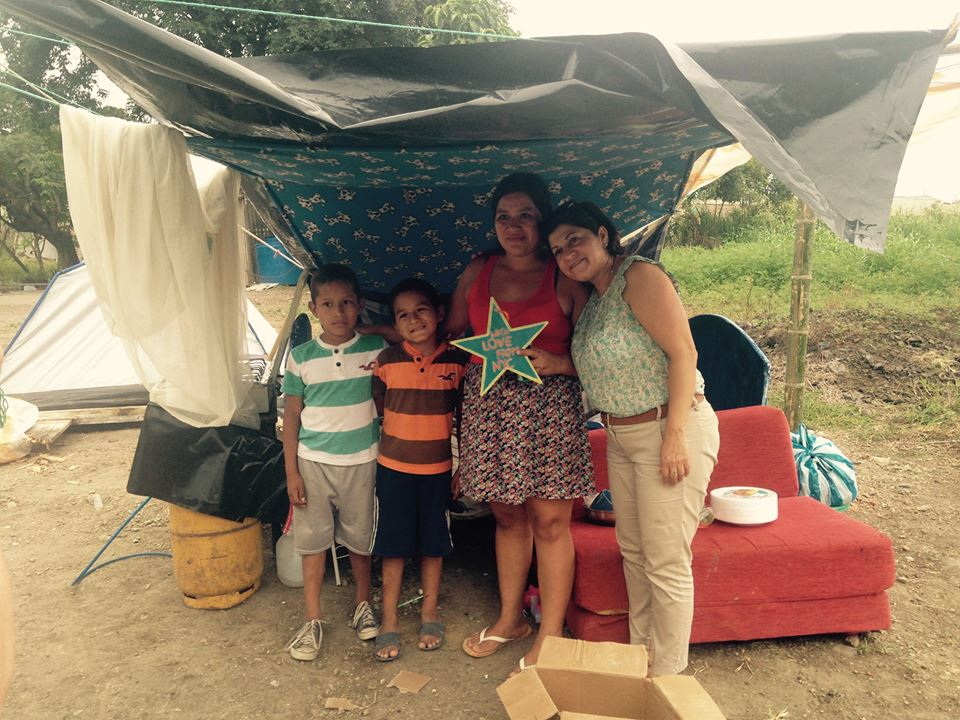 Family survivors of the earthquake in Ecuador 2016