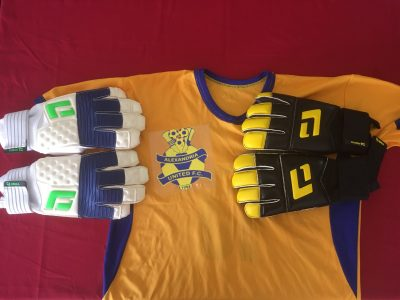 Jamaican Academy Gloves