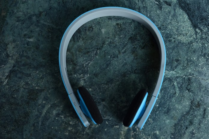 boombud bluetooth headphone from top