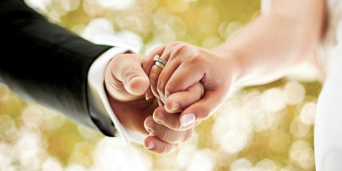 extramarital-affair-early-marriage