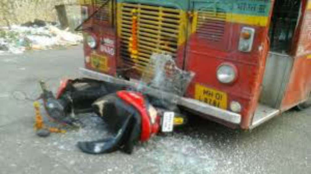 Speeding scooty gets wheels BEST bus rider crushed death