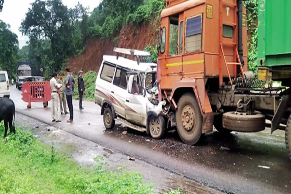 Road Accident on Mumbai - Goa Highway