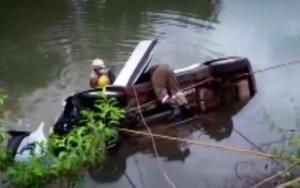 Tourists Dies After their Car Fell Into Creek
