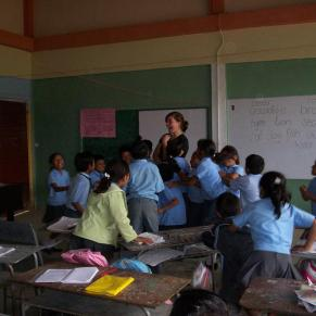 Volunteer teaching in a school in Ecuador