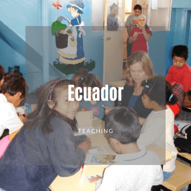 Volunteers teaching students in Ecuador