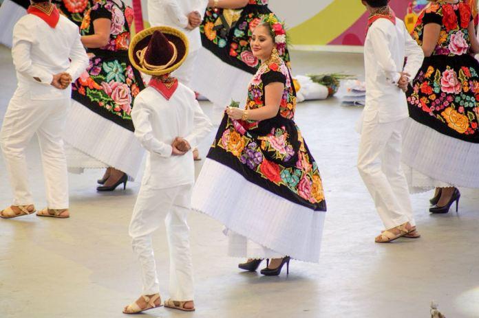 La Guelaguetza o la fiesta de la comunalidad de los pueblos de ...