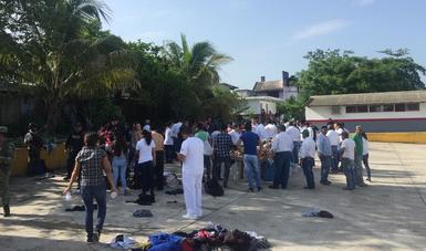 Autoridades mexicanas liberan a migrantes hacinados en una caja de tráiler