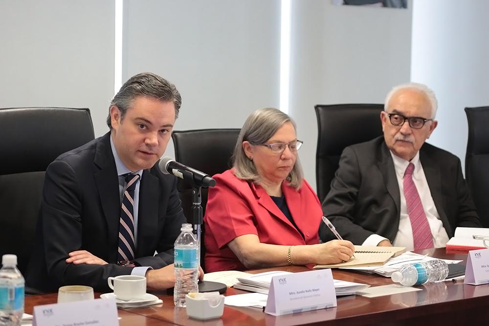 Advierte que se aplicará la ley a maestros que paren labores el día 15 por convocatoria de la CNTE