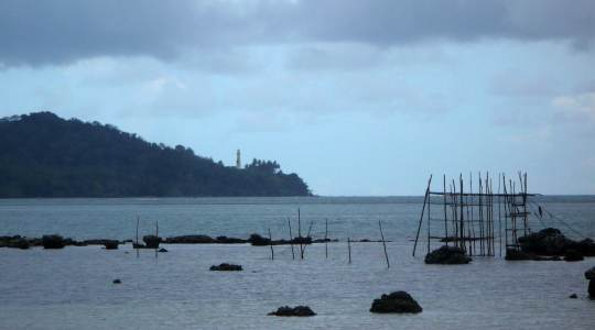 le phare vue de pantai pasir panjang Belitung Go Belitung