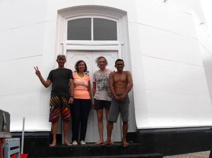 Devant le Phare de Lengkuas Belitung Indonésie