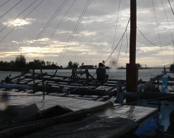 retour au port Belitung Indonésie Go Belitung