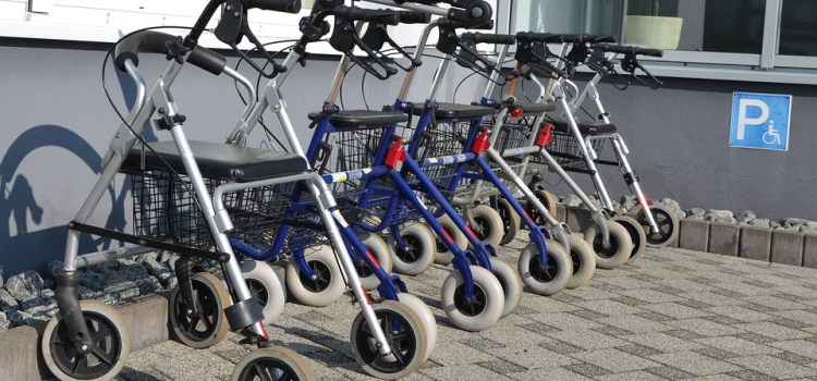 Why Four-wheel Walkers Are The Best For Seniors