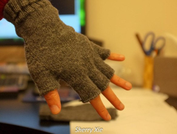 Knitting_FingerlessGlove2