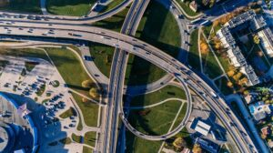 Aerial photograph of an interchange with cars
