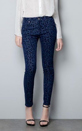 5 POCKET JEANS WITH FLOCK ANIMAL PRINT  Euro 49.85 form Zara