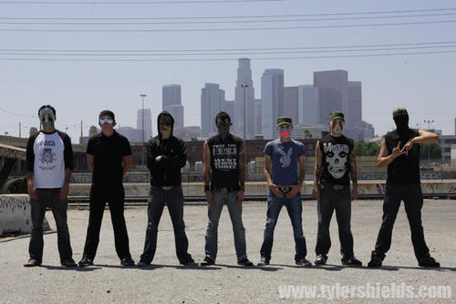 Track Of The Day #192: Hollywood Undead – From The Ground