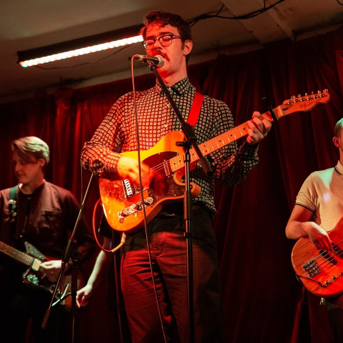 IN CONVERSATION: Crying Swells talk to John Clay about 'Lungs'