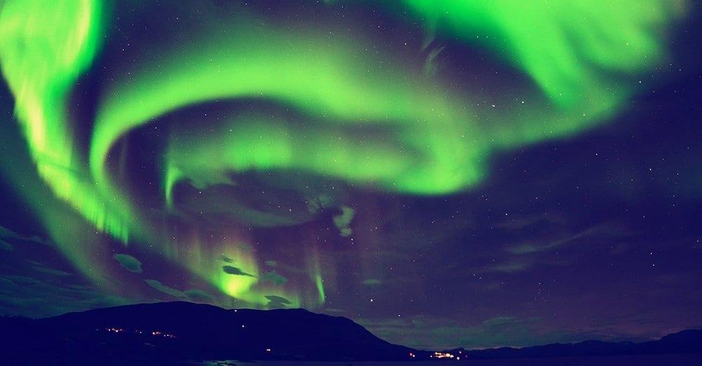 Performance T-Shirt,Aurora Borealis Iceland Fashion Personality Customization