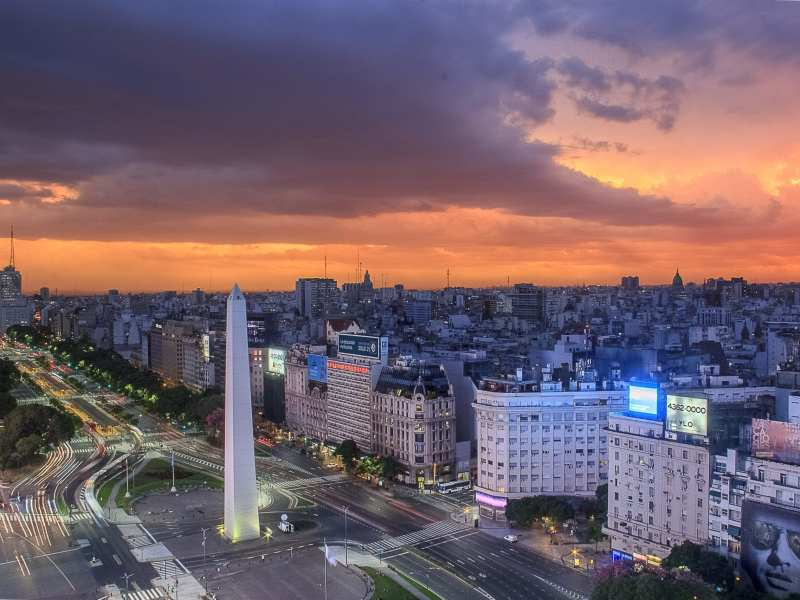 Obelisk on 9 de Julio Avenue, from Buenos Aires Ciudad website