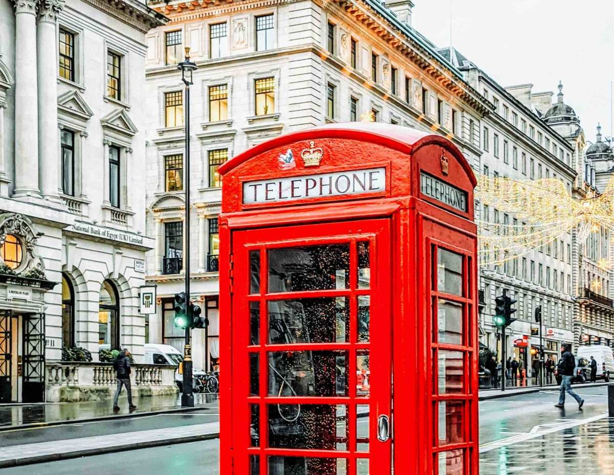 london-red-phone-booth