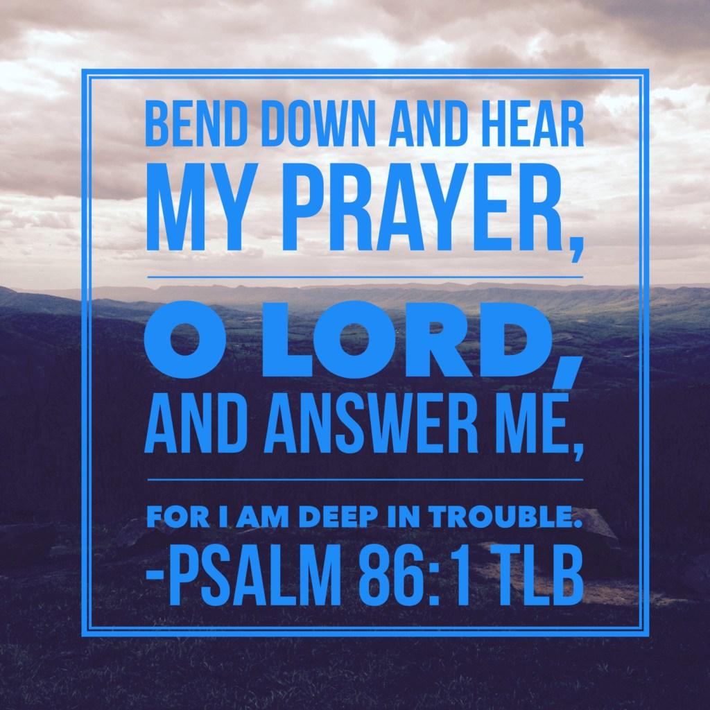 Mama in Waiting Prayer
