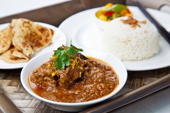 Beef-Rendang-Served-with-Steamed-Rice