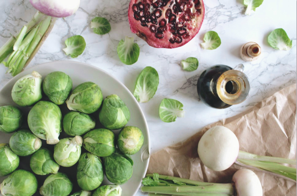 winterse salade van spruitjes en raapjes in de oven_