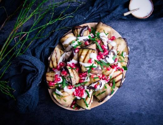 auberginerrolletjes kerst kerstavond kerstmenu gegrilde aubergine geitenkaas walnoten granaatappelpitten hapje amuse goestjes