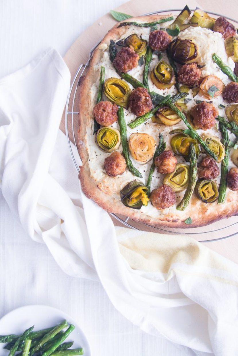 pizza bianca dille en kamille jozefien ryckx studio goestjes groene asperges prei gehaktballetjes