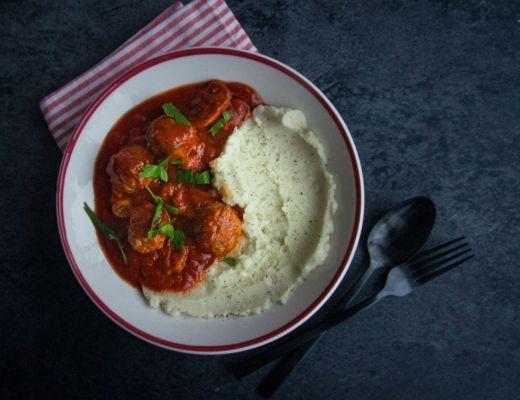 goestjes gehaktballen tomantensaus champignons puree aardappel en bloemkool