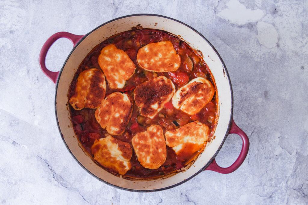 halloumi in tomatensaus makkelijk recept van goestjes