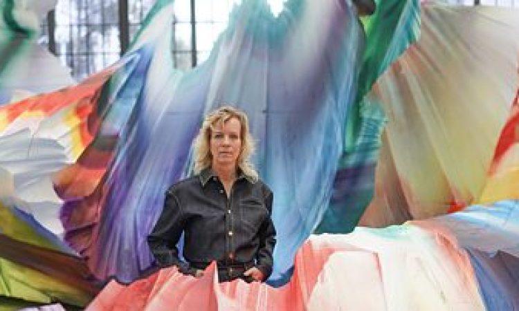Katharina Grosse : Die Farbgewaltige