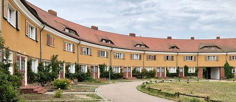 Die autofreie Wohnsiedlung Piesteritz mit ihren großzügigen Grünflächen und Gärten ist bis heute ein städtebauliches Vorbild.