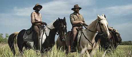 """Eine Szene aus dem australischen Film """"High Ground"""""""
