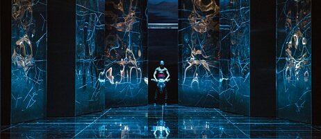 """Inszenierung von Georges Bizets """"Carmen"""" unter der Regie von Stephan Märki am Konzert Theater Bern. Bühnenbild: Philip Fürhofer."""