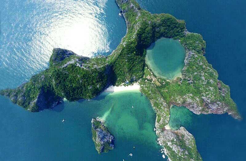 Bai Dong Island, Halong Bay, Vietnam (Vietnam world heritage sites)