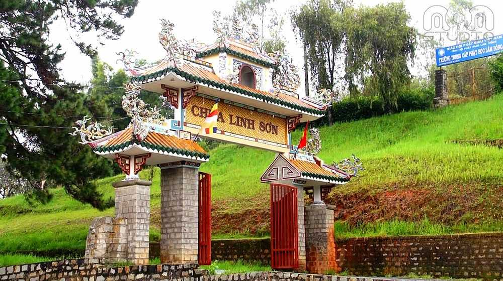 Linh Son Pagoda in Da Lat