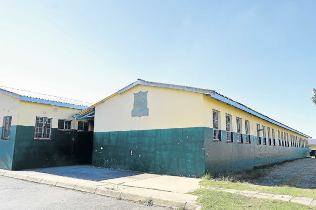 Hlokoma High School in Mdantsane that has an enrolment of 427 pupils is being vandalised by thugs who first stole the school's fencing and projectors and vandalised the toilets and even burnt one of the classrooms Picture :RANDELL ROSKRUGE