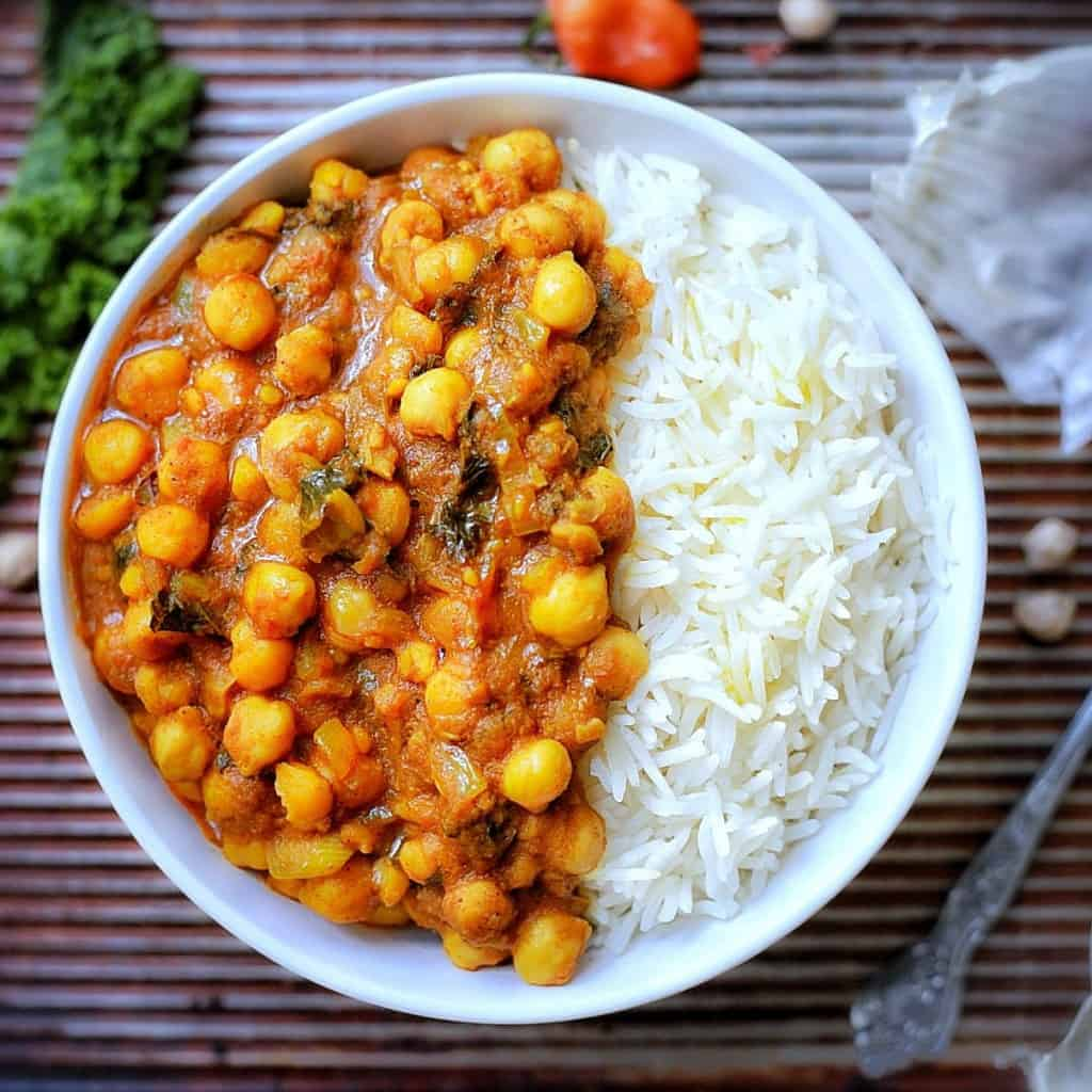 Chickpeas With Mango Curry