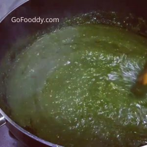 cook spinach to palak paneer ready to eat