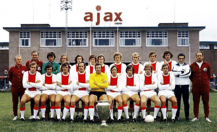 Ajax elftalfoto 1971