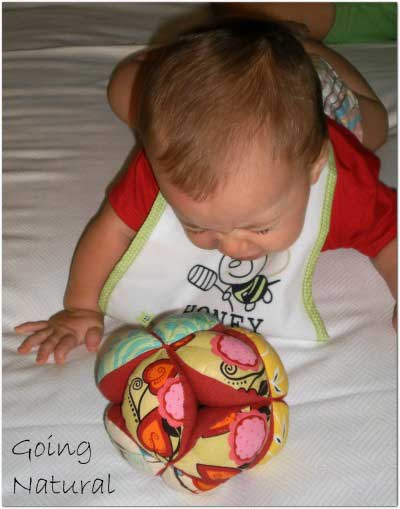 Corredino neonato in cotone biologico Kebeo - bavaglio