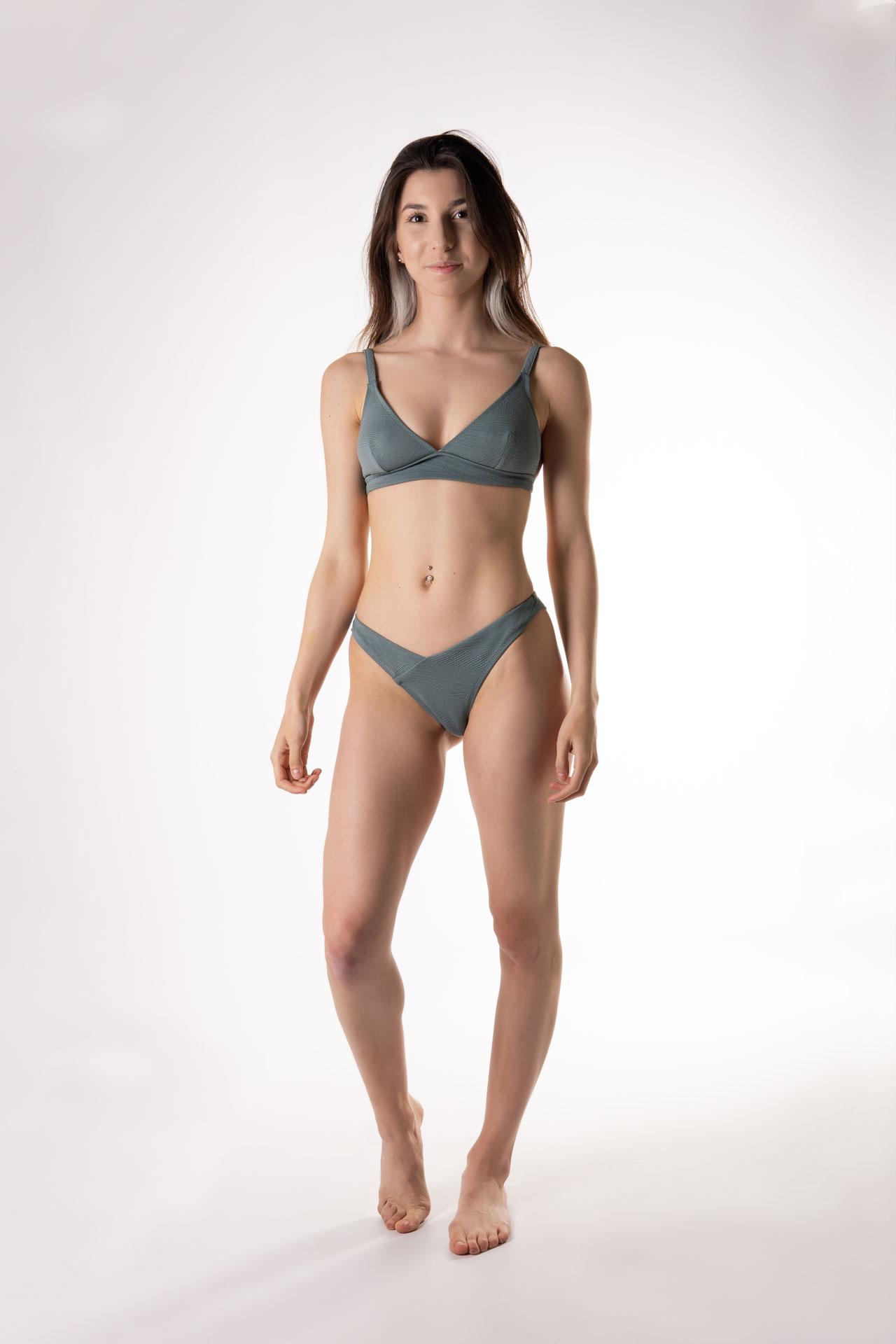 bikini en v tanga