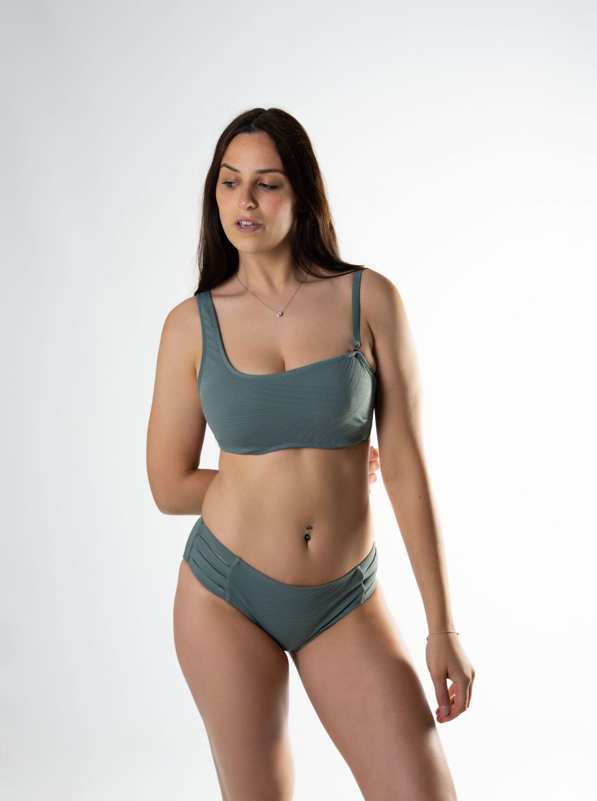 Bikini asimétrico sujetador copas especiales