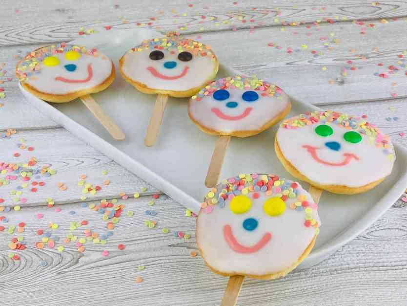 Kleine Amerikaner Am Stiel Fur Fasching Kindergeburtstag Goldberg Fancy Cookies Blog Mit Rezepten Tipps News